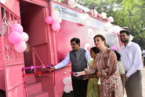 "FIRMENICH OPENS DOORS OF MOBILE TOILETS FOR WOMEN IN ""SMART SANITATION CITY"" PUNE, INDIA"